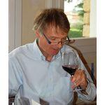 British journalist John Livingstone in Châteauneuf-du-Pape to taste the 2014 vintage
